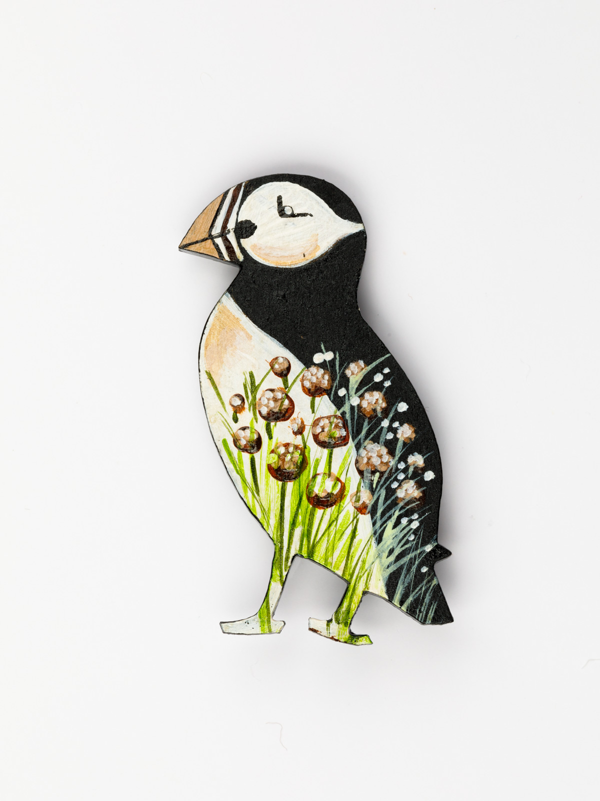 Puffin Brooch – Brown Flowers